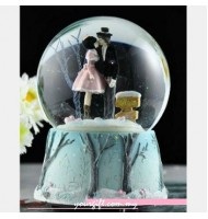 Kissing Crystal Ball Music Box