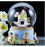 Precious Moment Snow White Water Globe Music Box