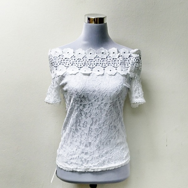 e3747ab13 Shoulderless Hollow Crochet Lace Blouse